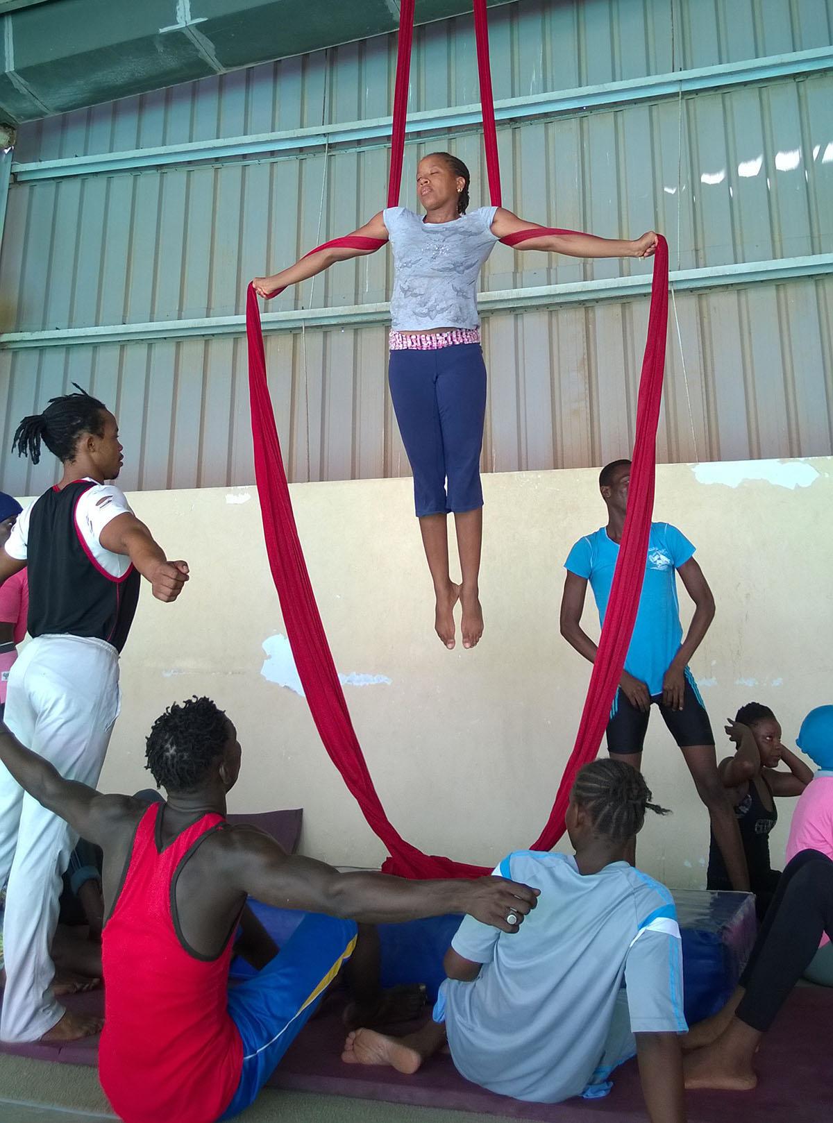 Nuoria Naatange Art La -kehitysyhteistyöhankkeessa
